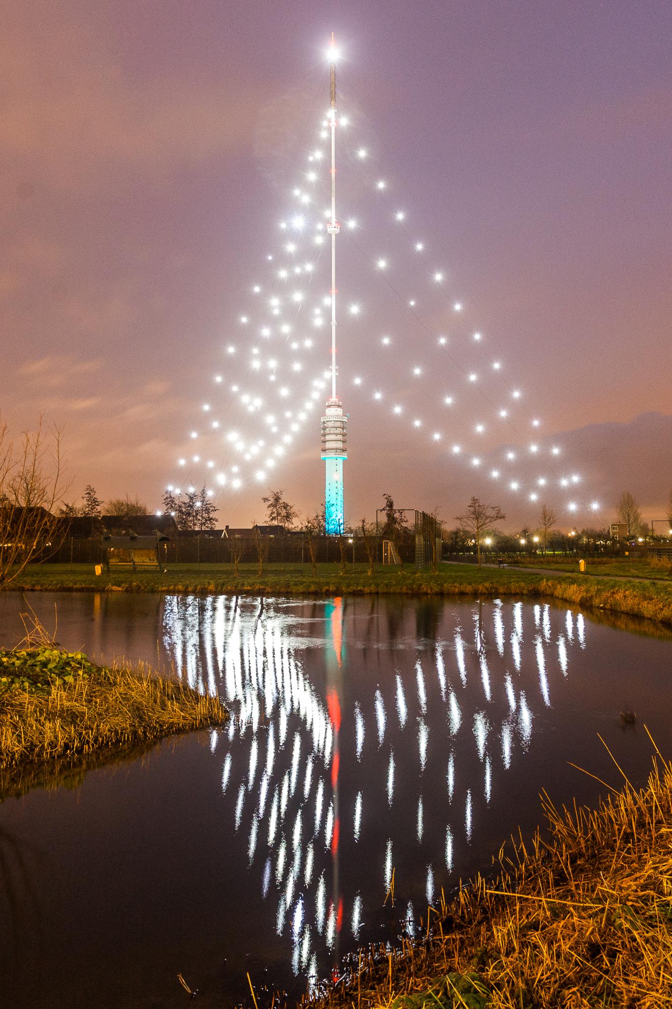Grootste kerstboom van Nederland brand weer